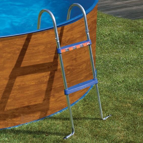 Escalera Gre AR109 en la piscina