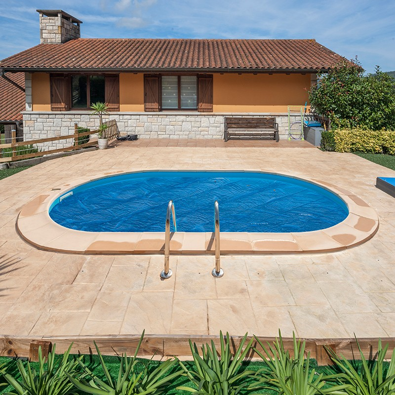 Cubierta isot rmica para piscina enterrada gre ovalada for Piscina ovalada hinchable