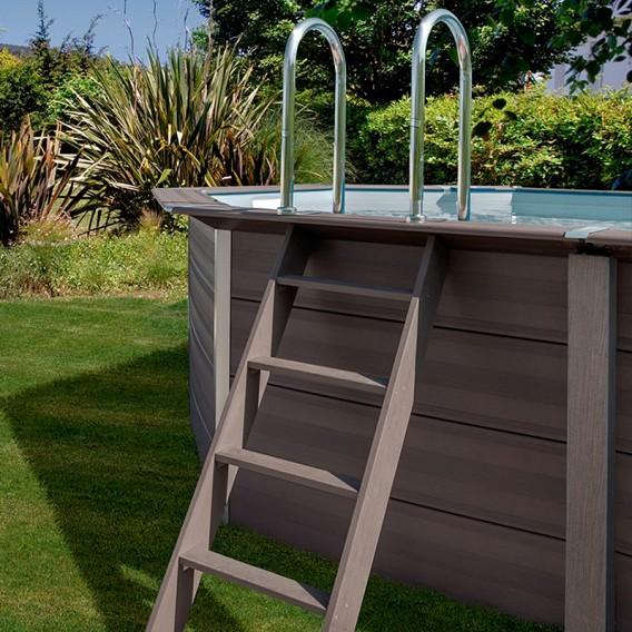Escalera piscina composite Gre Avantgarde